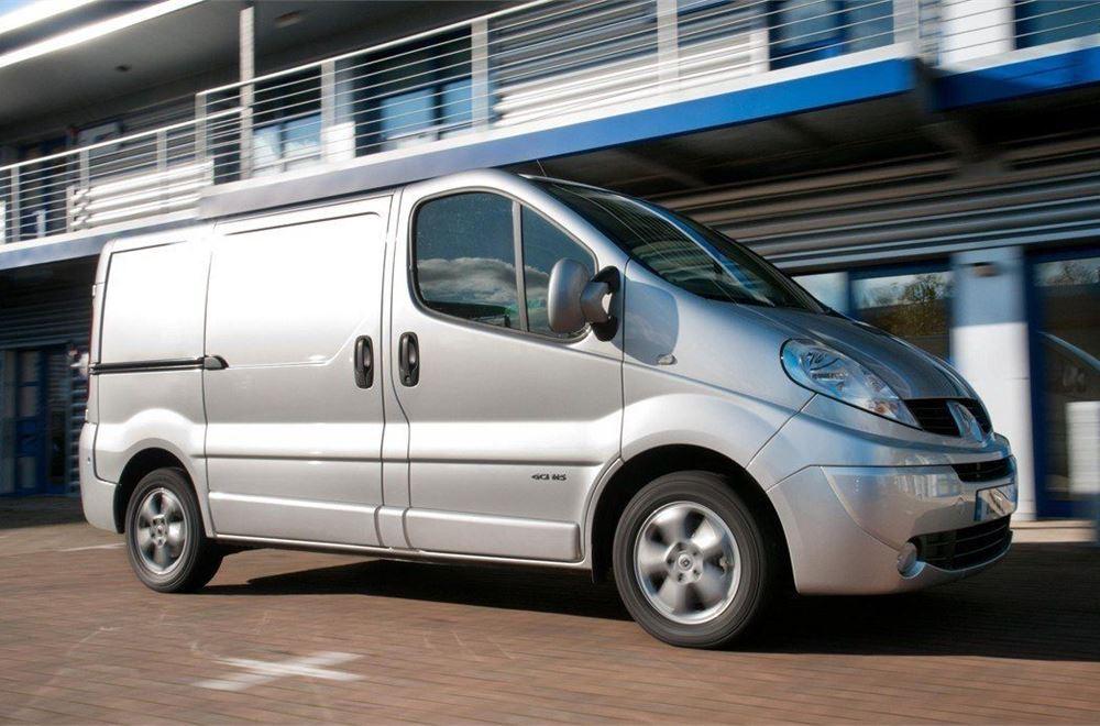 4ebf26b5aeb1f7 Used Van Buying Guide  Renault Trafic 2001-2014