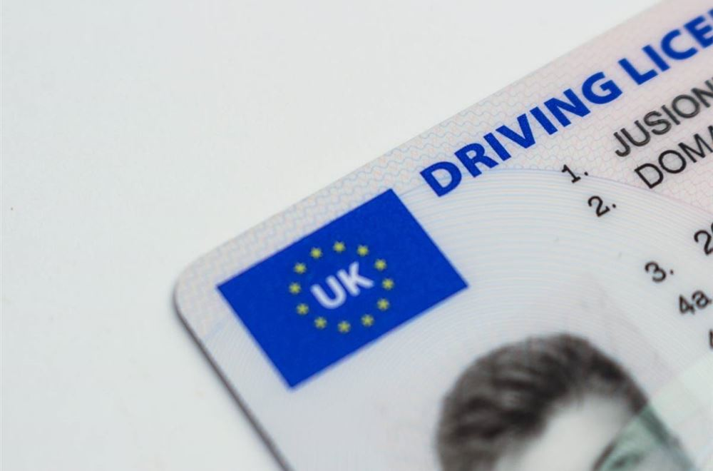 Free 70 renew at www uk for licence driving gov APPLY ONLINE: