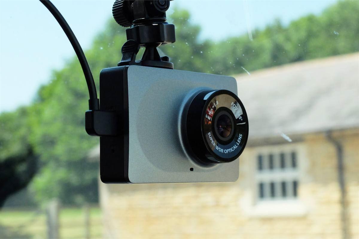 Review Yi Smart Dash Cam Product Reviews Honest John