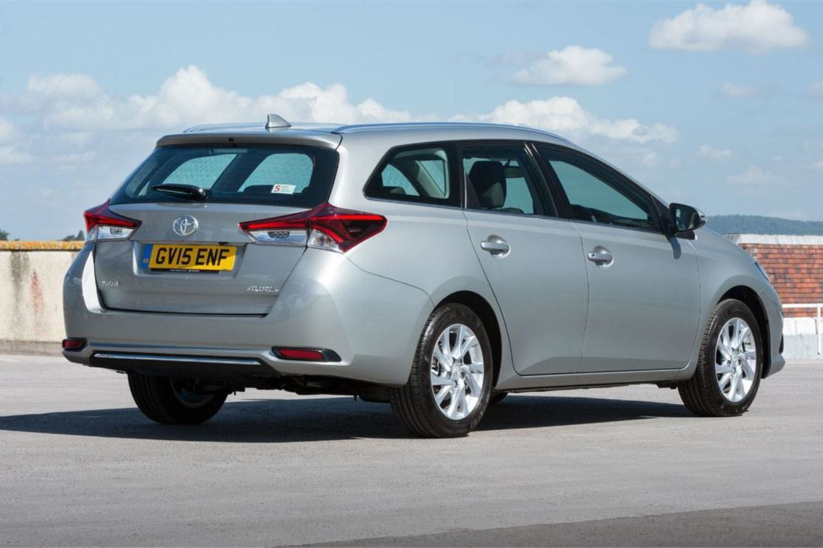 Toyota Auris Touring Sports 2013 - Car Review | Honest John