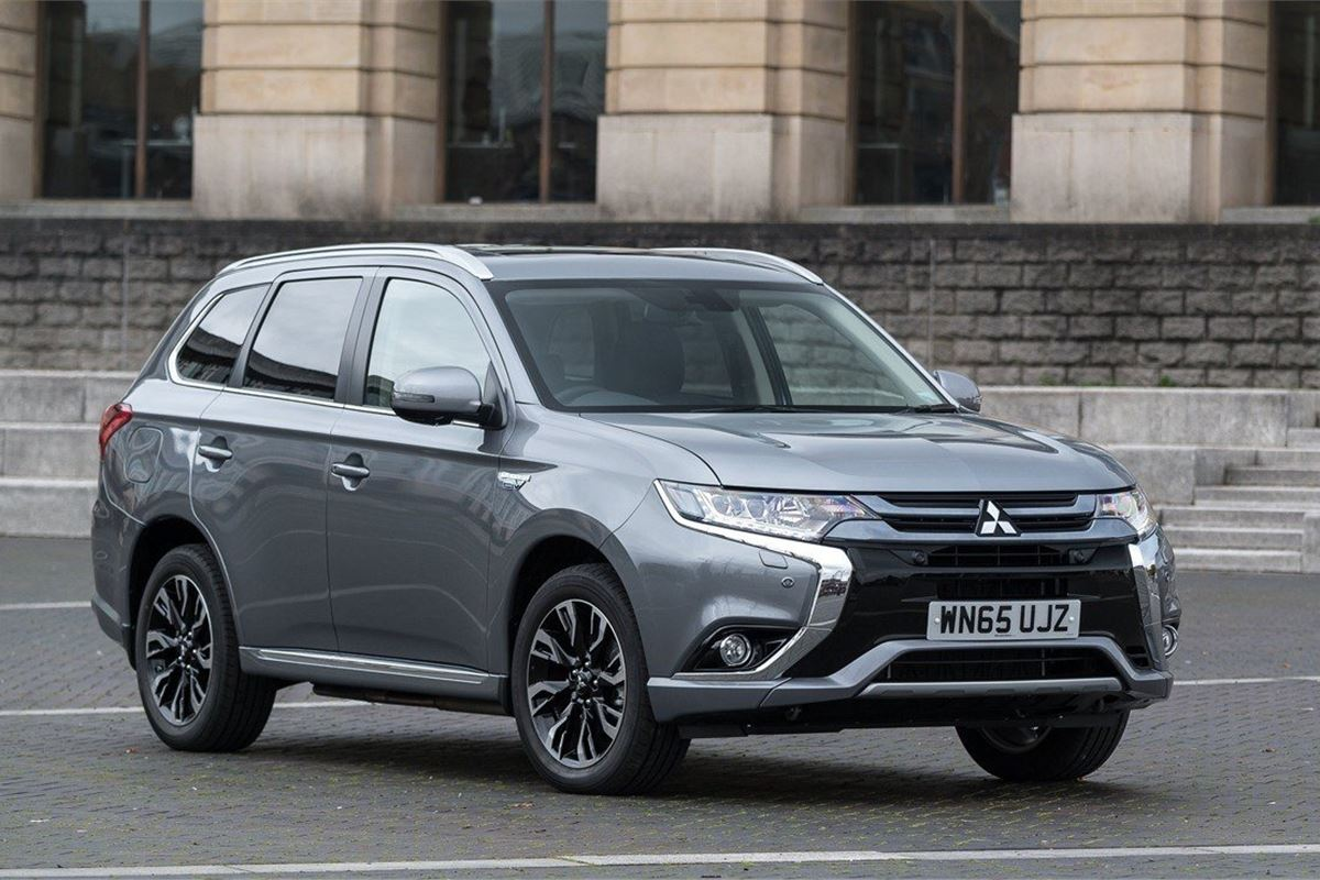 mitsubishi outlander phev 2014 car review honest john. Black Bedroom Furniture Sets. Home Design Ideas