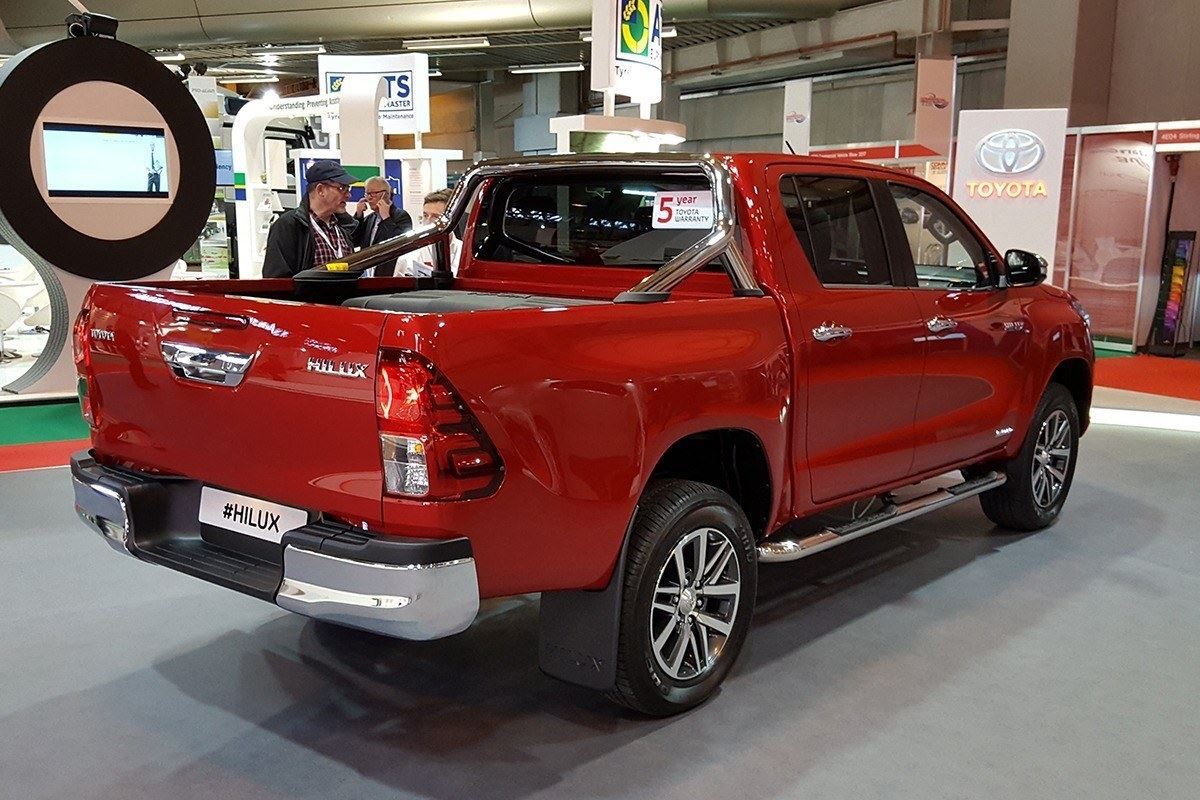top vans from the cv show honest john cv show 2016 10 things you need to know about the toyota hilux
