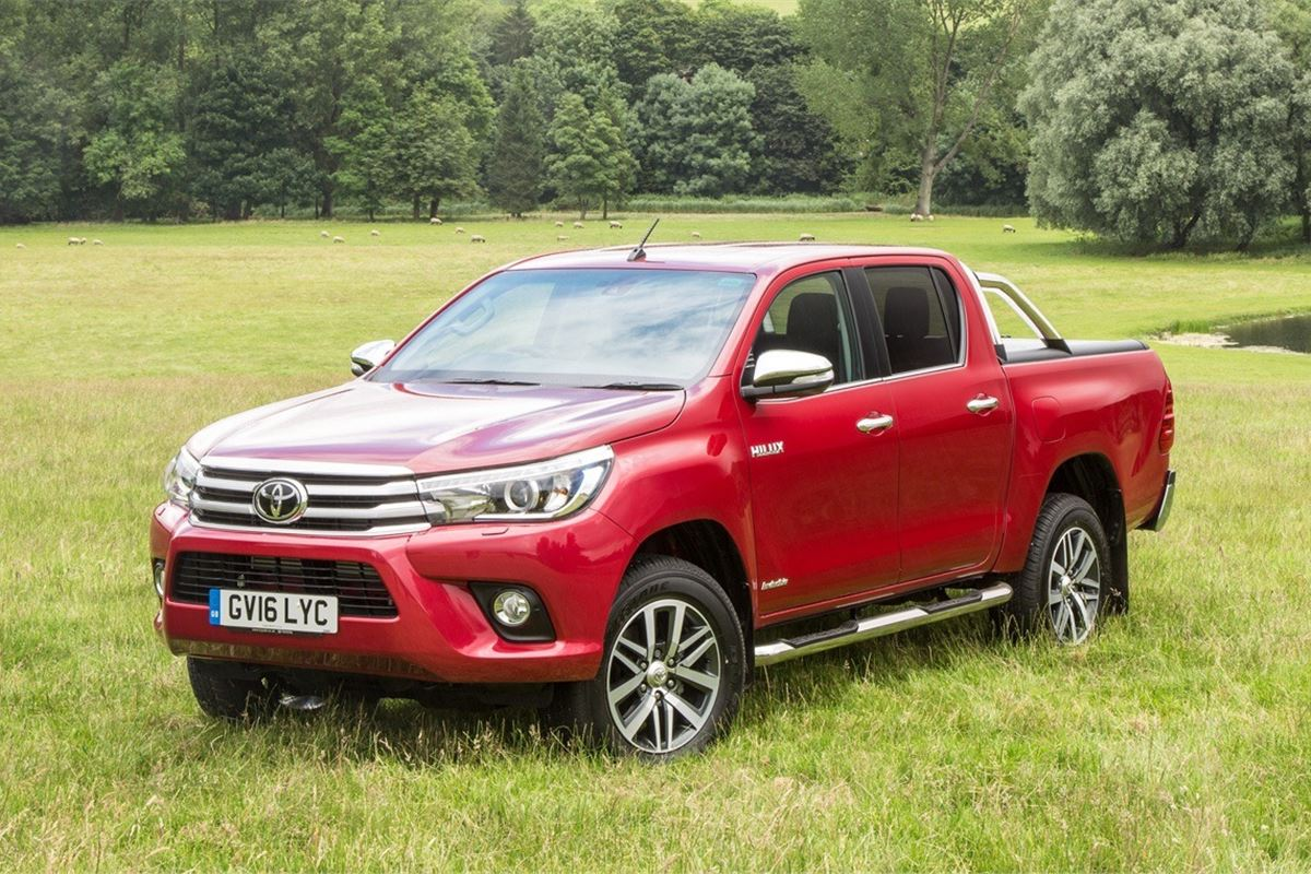 Toyota Hilux 2015 - Van Review | Honest John