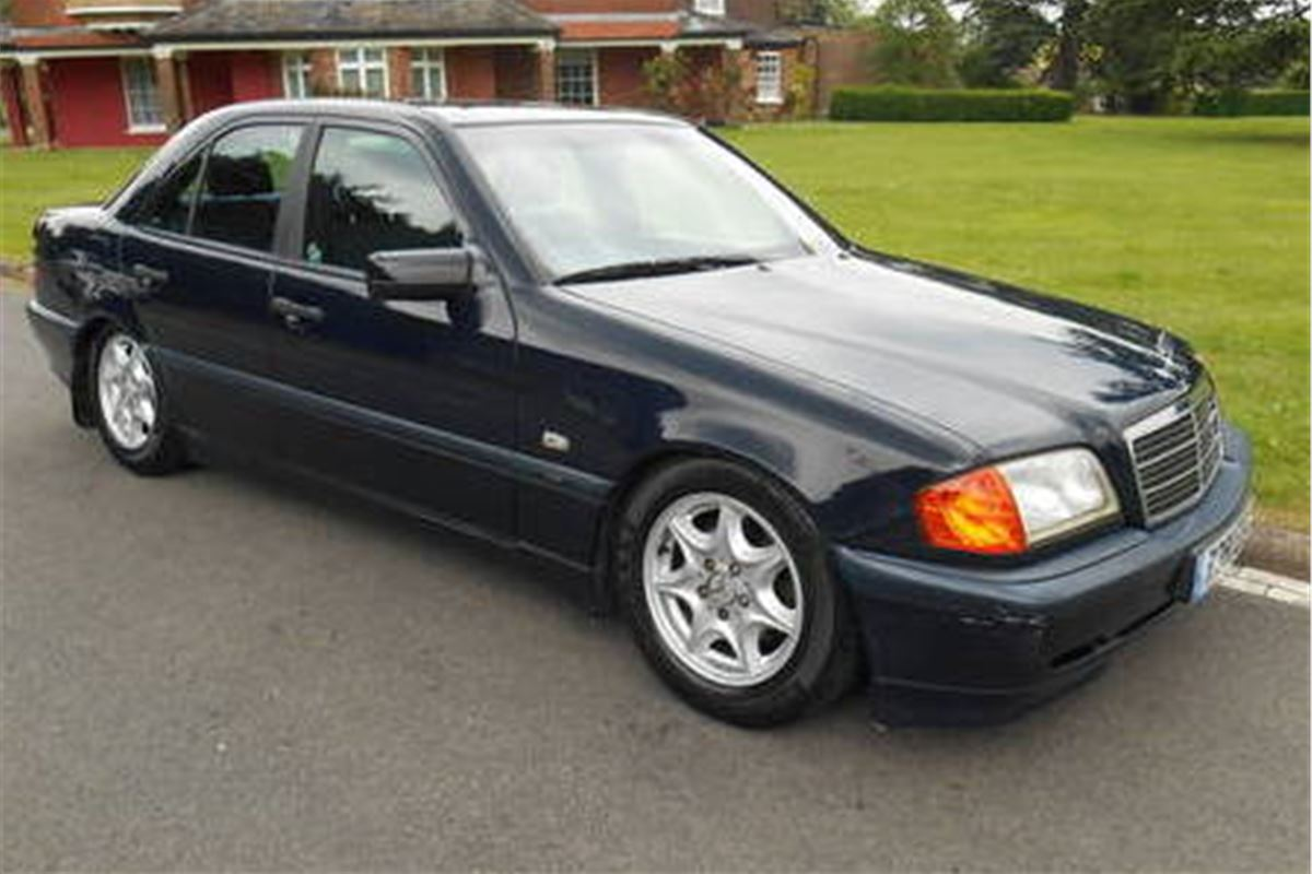 A grand monday mercedes benz c180 honest john for C180 mercedes benz