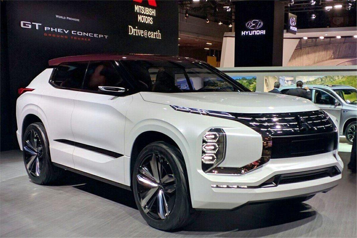 Paris motor show 2016 mitsubishi previews phev gt concept for Garage mitsubishi paris