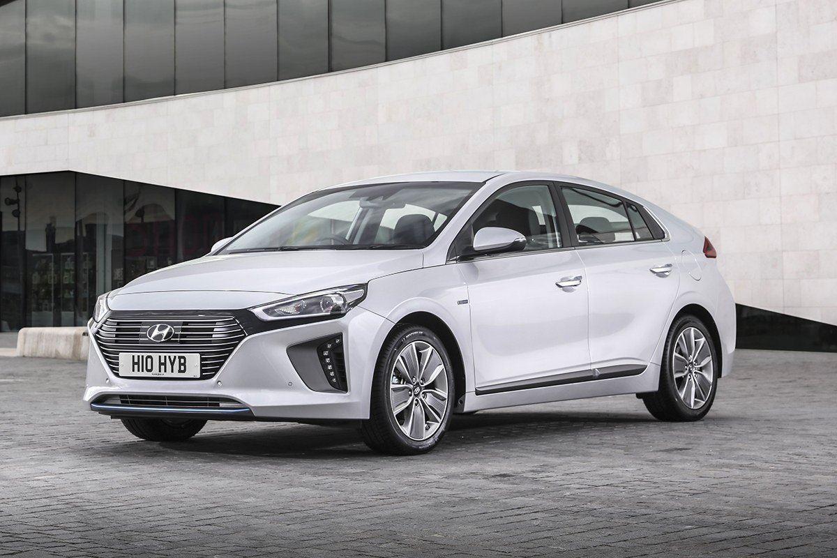 similar reviews - Ford Focus 2014 Hatchback White
