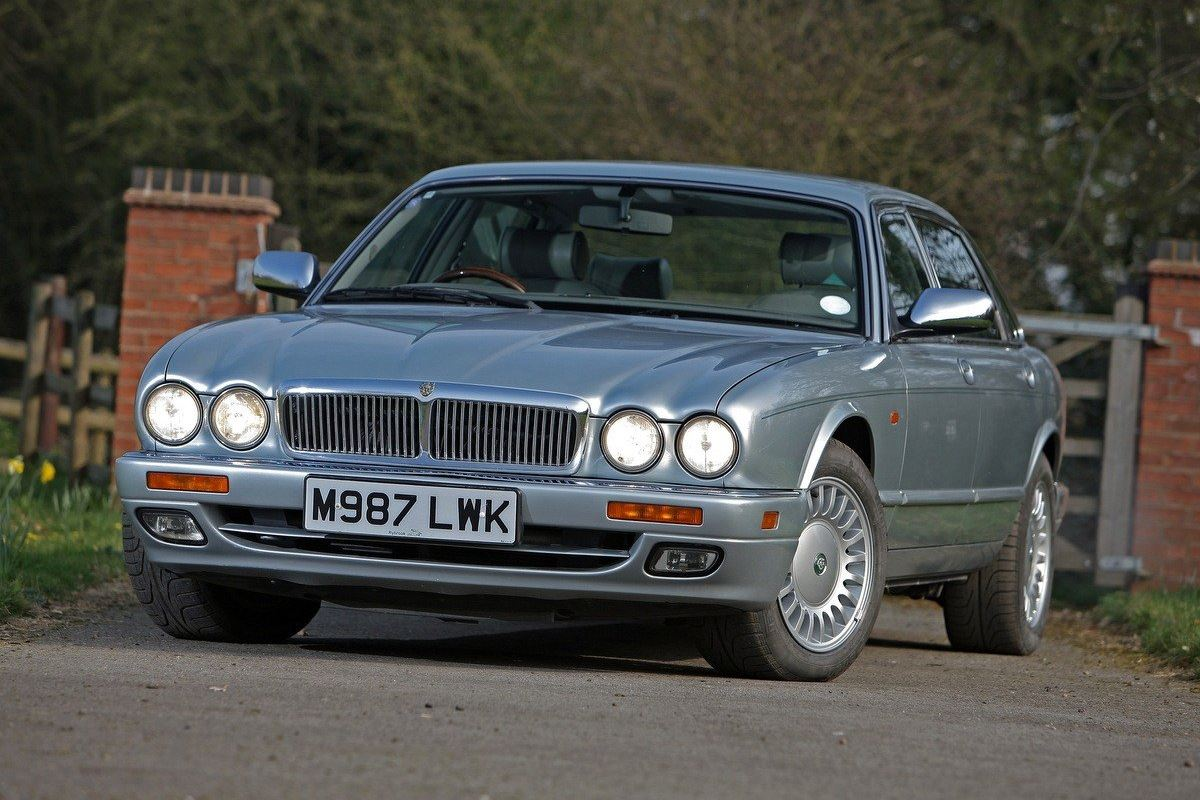 Jaguar Jaguar Xj6 And Xjr X300 X306 X330 Classic Car