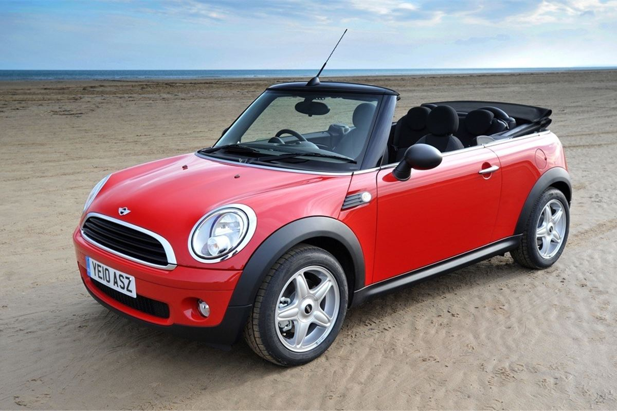 mini convertible 2009 car review honest john. Black Bedroom Furniture Sets. Home Design Ideas