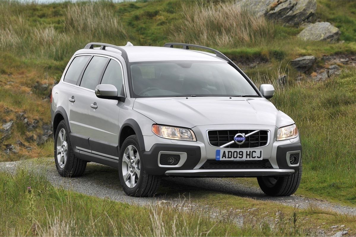 Volvo XC70: reviews of owners and photos 35