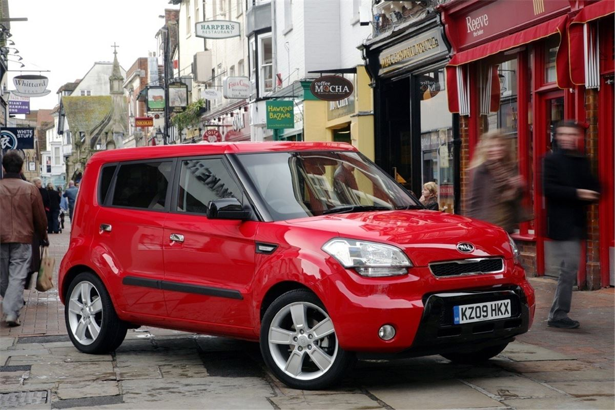 kia strongauto photos soul specs and