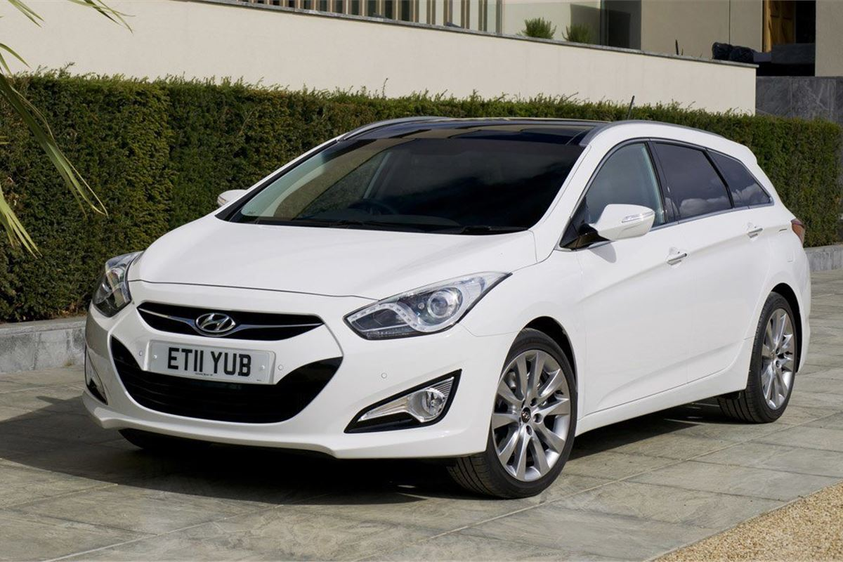 hyundai i40 tourer 2011 car review honest john. Black Bedroom Furniture Sets. Home Design Ideas
