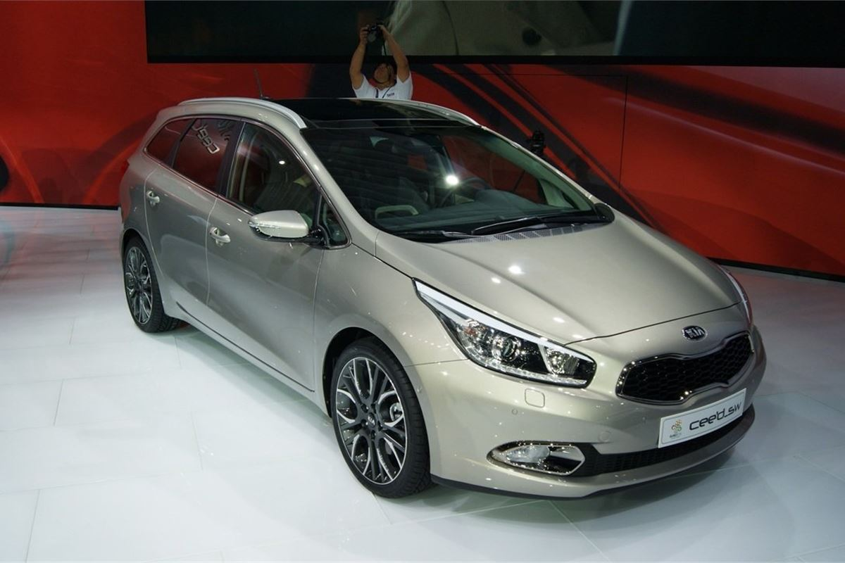 new kia cee 39 d sw revealed motoring news honest john. Black Bedroom Furniture Sets. Home Design Ideas