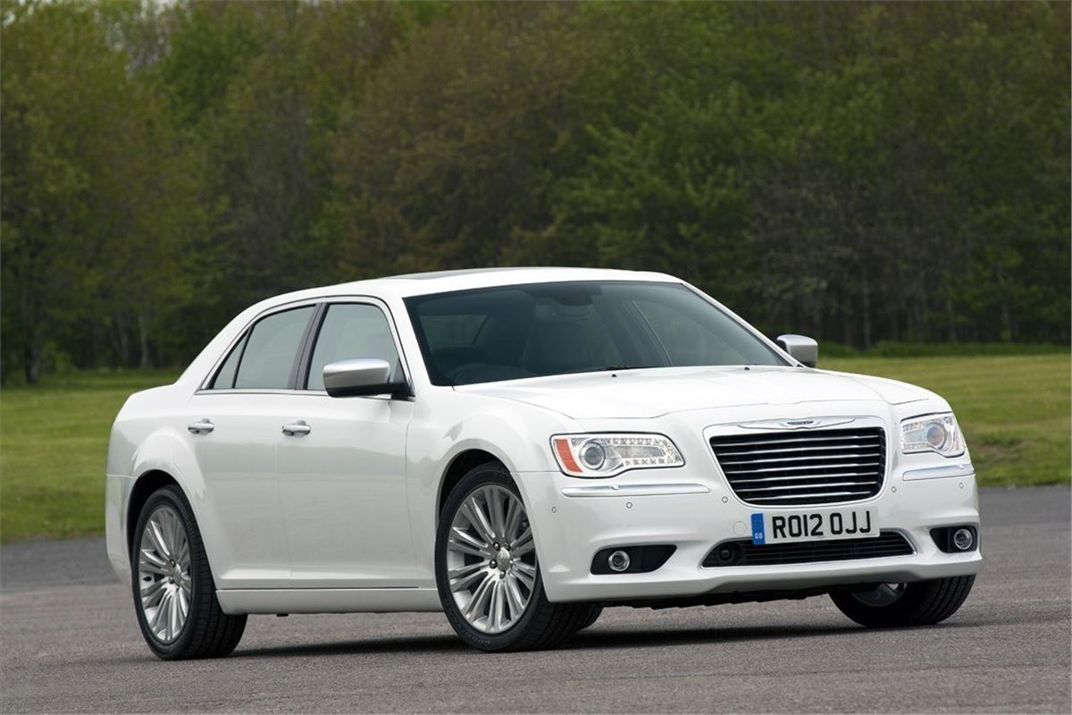 Chrysler 300c 2012 car review honest john for Chrysler 300c
