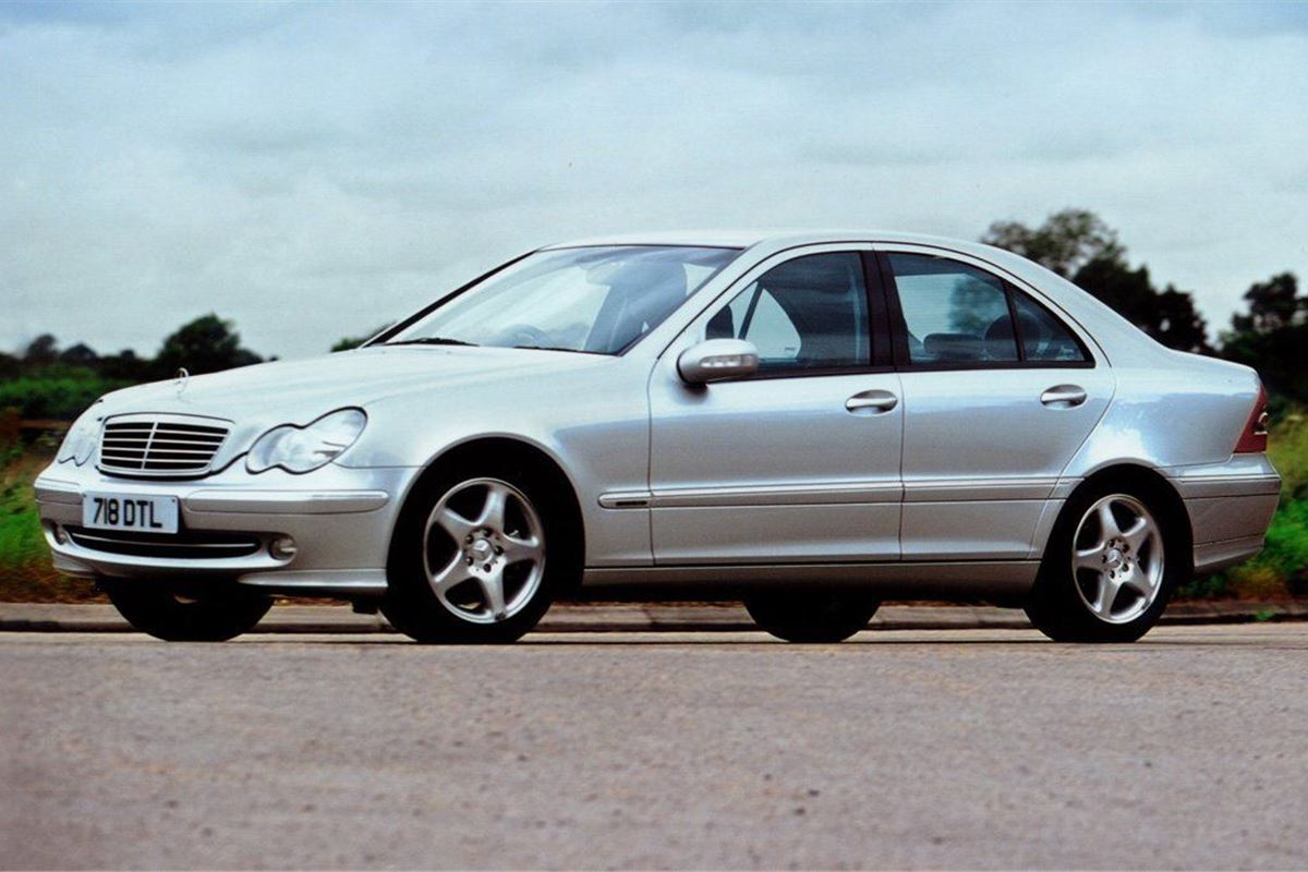 Average Car Insurance >> Mercedes-Benz C-Class 2000 - Car Review | Honest John