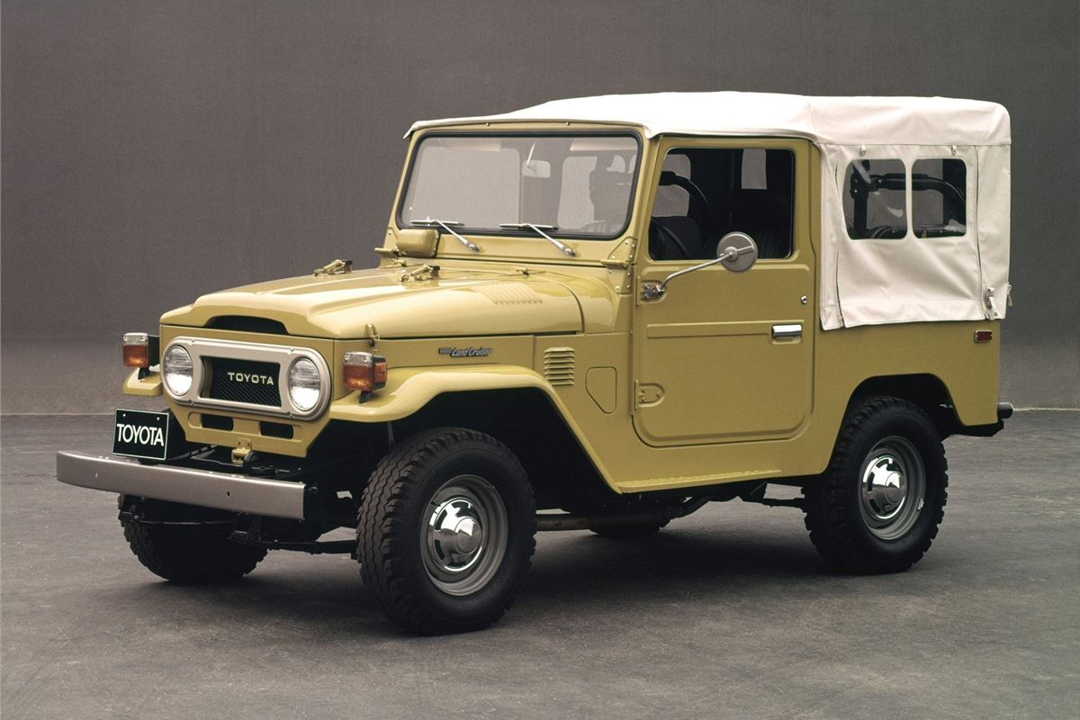 toyota landcruiser 40 series classic car review. Black Bedroom Furniture Sets. Home Design Ideas