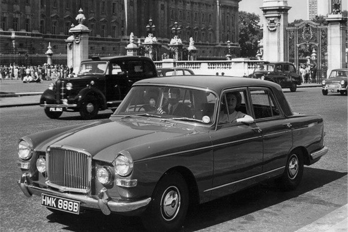 Vanden Plas Princess 4 Litre R Classic Car Review
