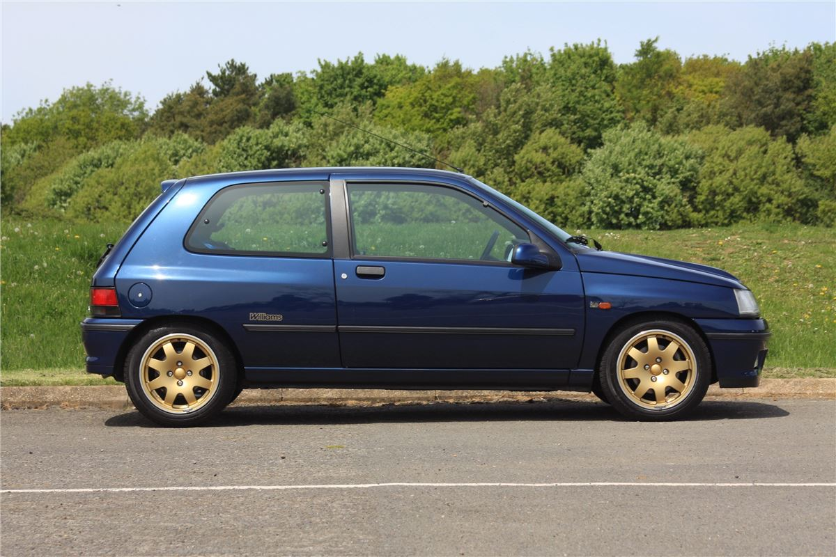 Renault Clio Williams - Classic Car Review