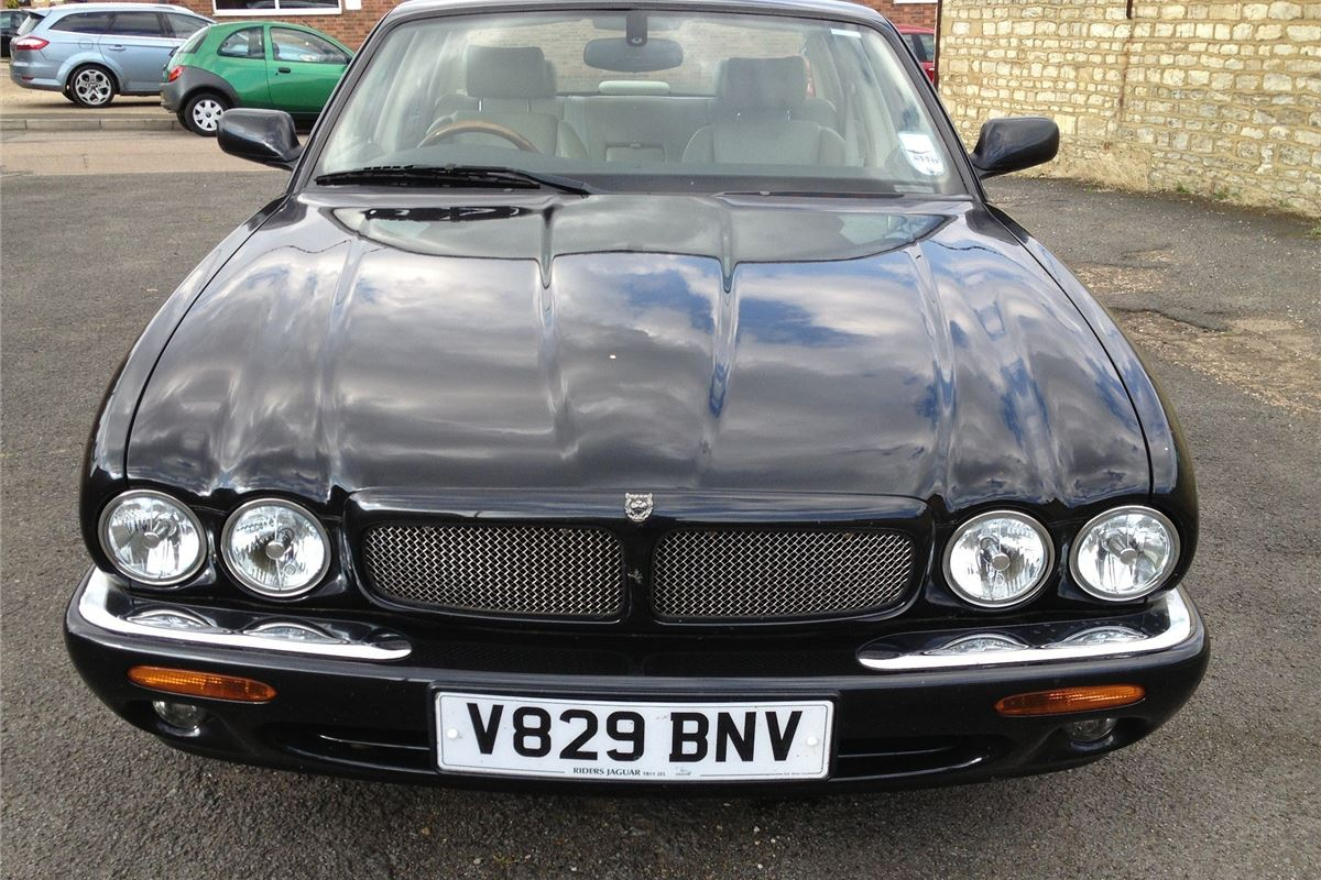 Anglia Car Auctions To Sell Jeremy Clarkson S Jag