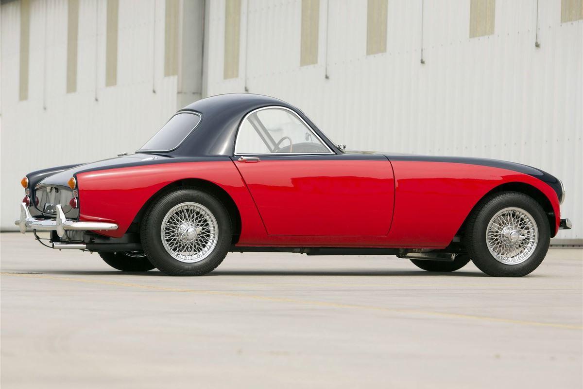morgan plus 4 plus classic car review honest john. Black Bedroom Furniture Sets. Home Design Ideas