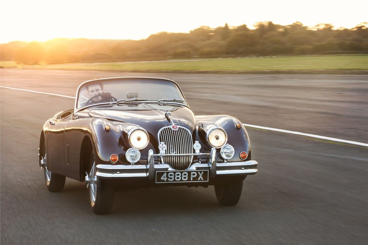 Classic fans take to the track with Jaguar Heritage driving experience | |  Honest John