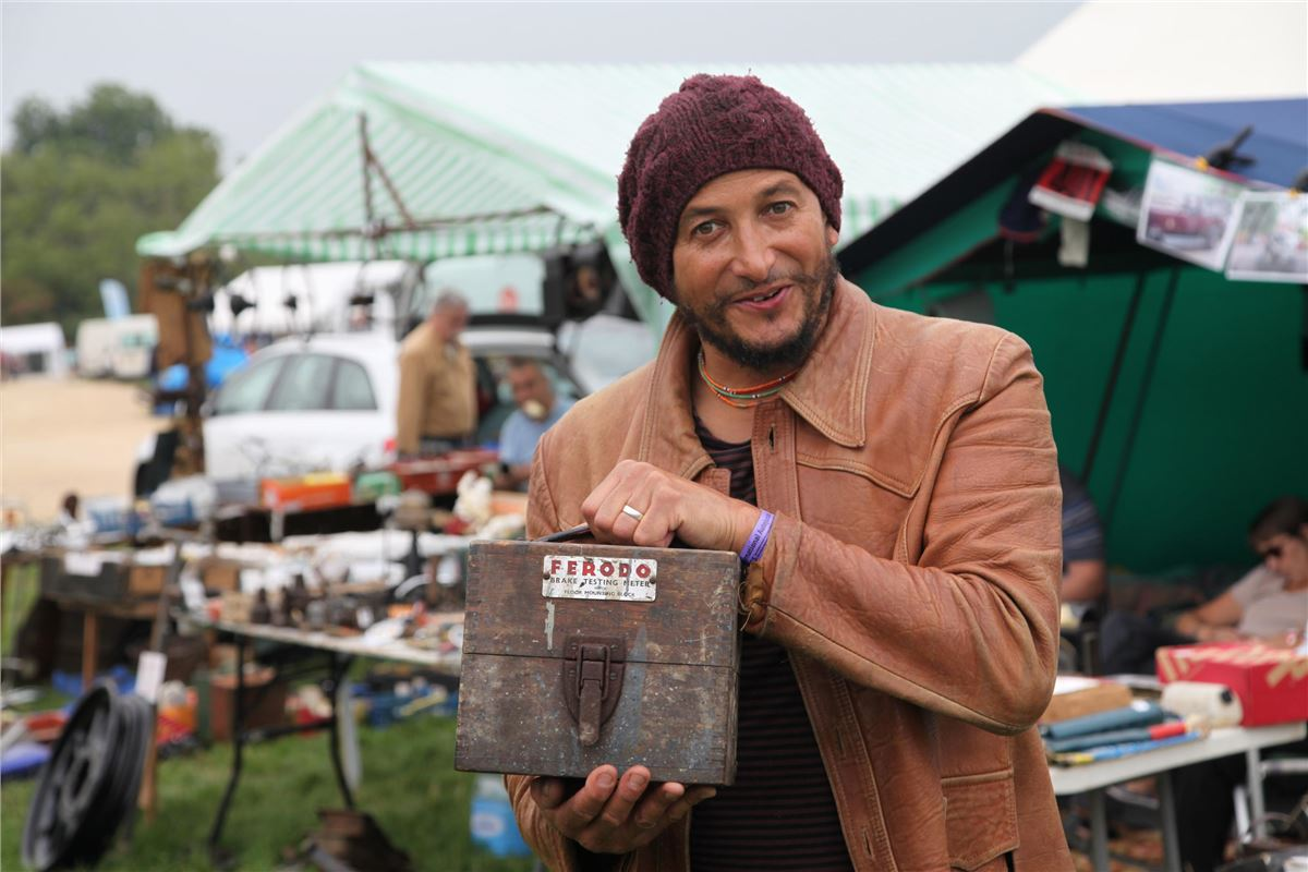 Car Sos Star Fuzz Townshend To Help Find Future Car