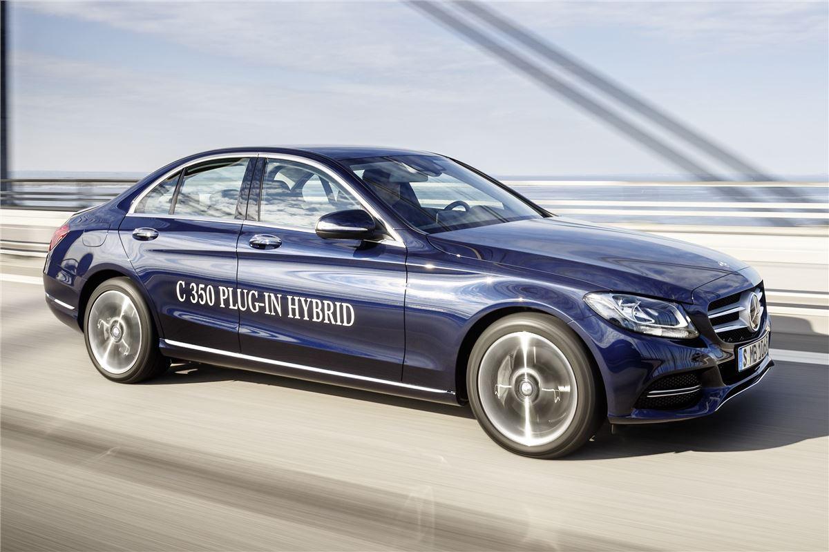 Mercedes-Benz запустил в серию первый подзаряжаемый гибрид ...