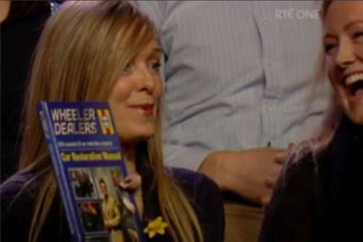 Mercedes Benz Austin >> Even Mrs B. is Plugging the Wheeler Dealers book ...