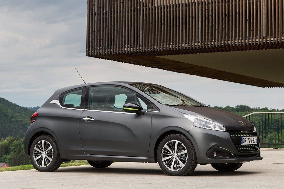 peugeot 208 1 6 bluehdi 2015 road test road tests. Black Bedroom Furniture Sets. Home Design Ideas