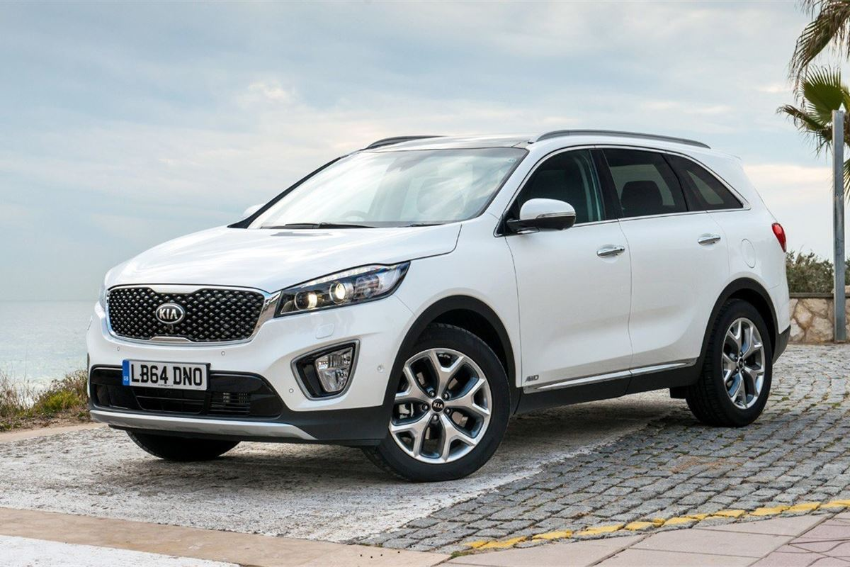 Two Car Garages Kia Sorento 2015 Car Review Honest John