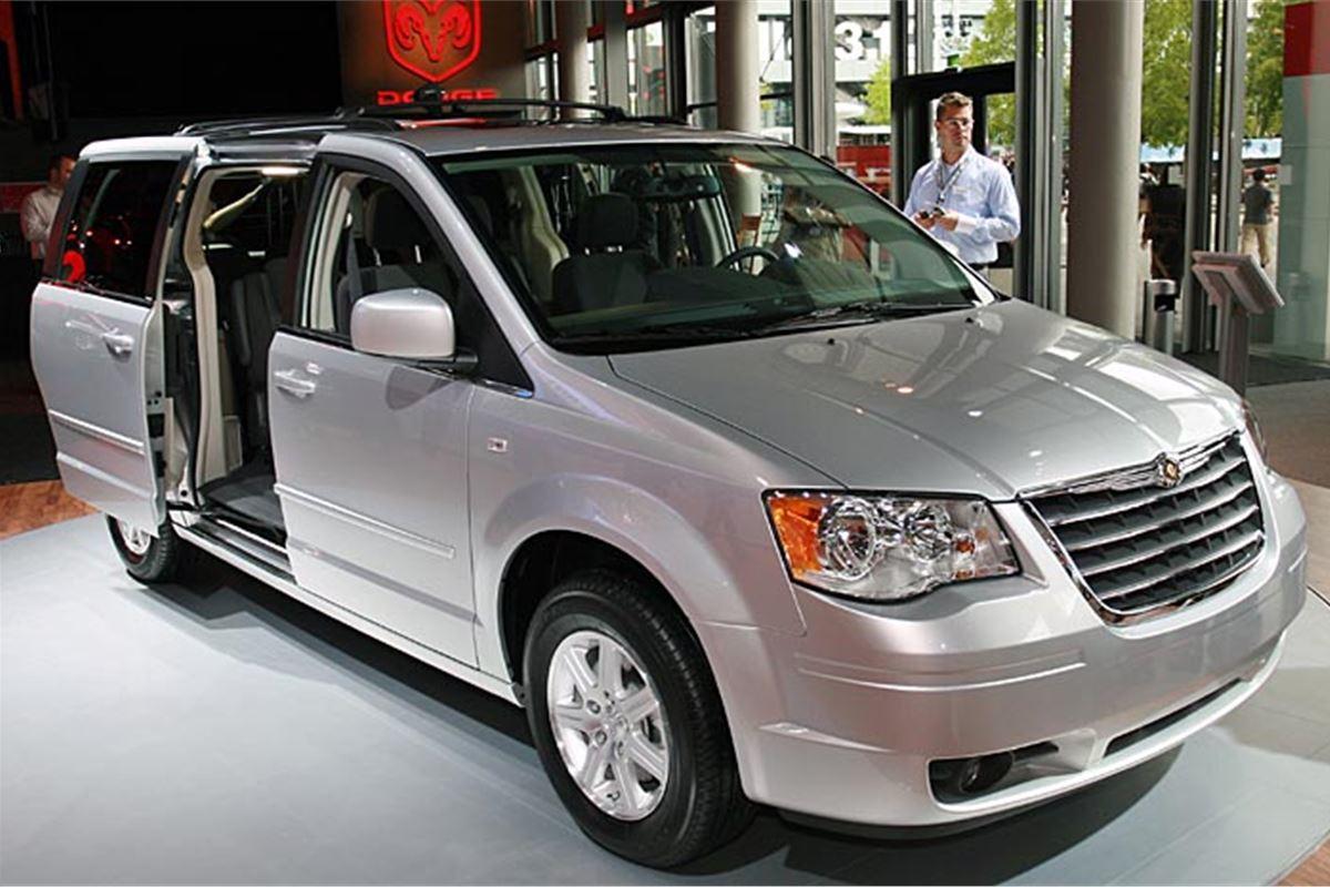 Best Buy Insurance >> Chrysler Grand Voyager 2009 Road Test | Road Tests | Honest John