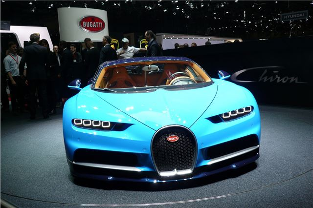 Bugatti Chiron 2016 - Car Review - Good & Bad | Honest John