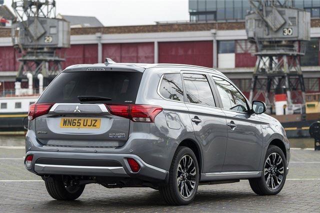 Mitsubishi Outlander PHEV 2014 - Car Review - Good & Bad