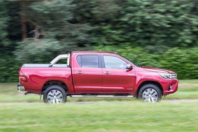 Toyota Hilux 2015 - Van Review   Honest John
