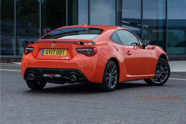 Average Cost Of Car Insurance Per Month >> Review: Toyota GT86 (2012) | Honest John
