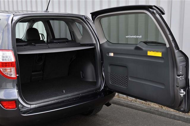 Toyota RAV4 2006 - Car Review - Good & Bad | Honest John