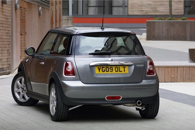 MINI Cooper and Cooper S 2007 - Car Review - Good & Bad | Honest John