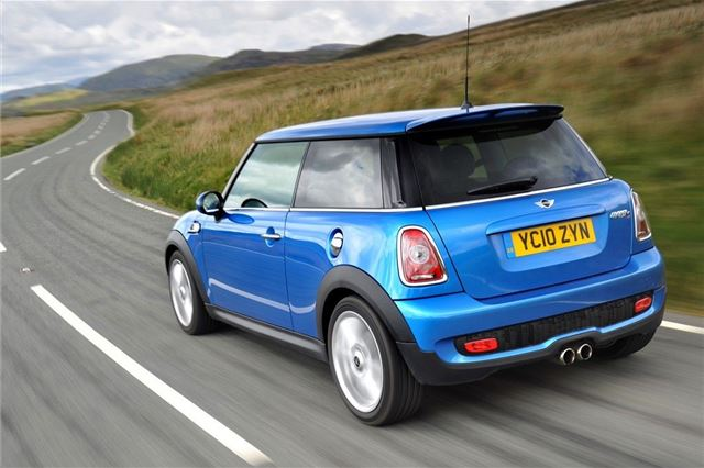 MINI Cooper and Cooper S 2007 - Car Review - Good & Bad
