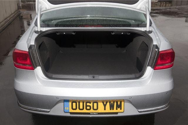 Volkswagen Passat 2011 - Car Review - Good & Bad | Honest John