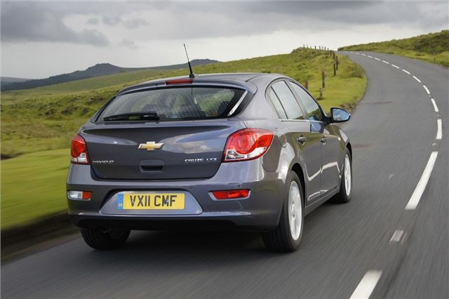 review  chevrolet cruze hatchback  2011  u2013 2015