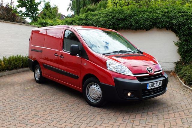 301377fef45467 Toyota ProAce 2013 - Van Review