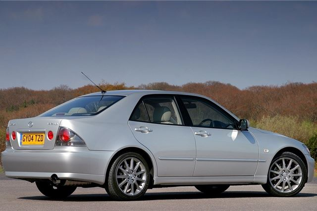 1999 lexus is200 road tax