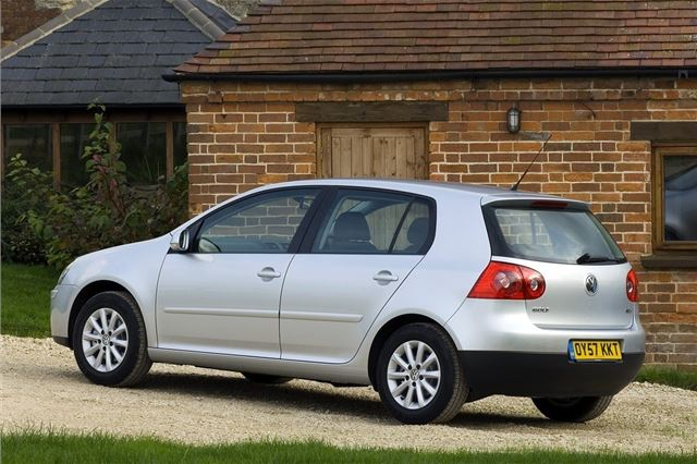 Volkswagen Golf 2004 - Car Review - Good & Bad   Honest John