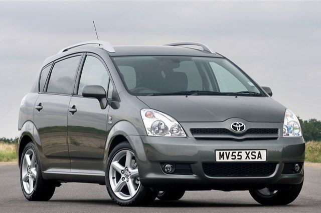 Toyota Corolla Verso 2004 - Car Review - Good & Bad | Honest John