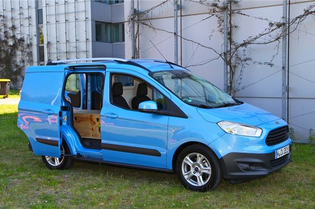 b939ba7ee85107 Ford Transit Courier 2014 - Van Review