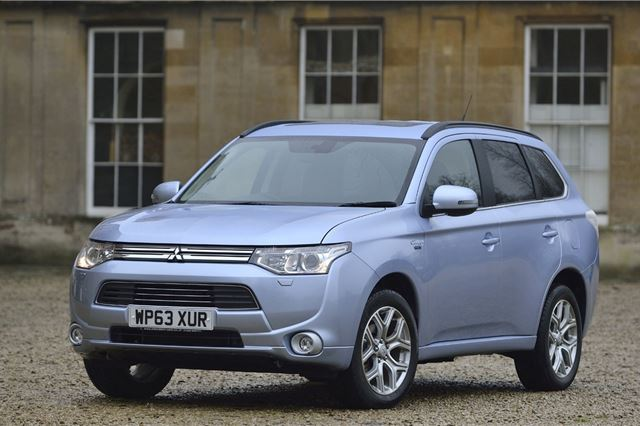 Mitsubishi Outlander PHEV 2014 - Car Review - Good & Bad | Honest John