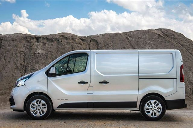 Renault trafic review 2016