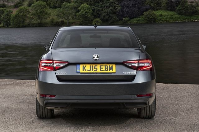 Skoda Superb 2015 - Car Review - Good & Bad | Honest John