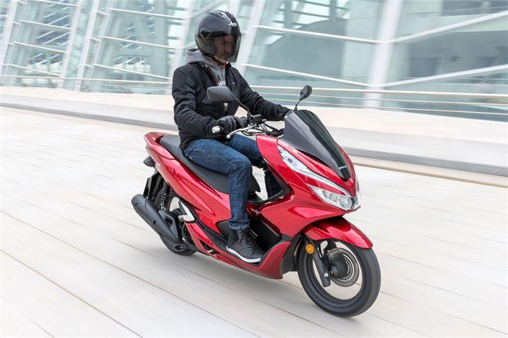 Review: Honda PCX 125 | Product Reviews | Honest John