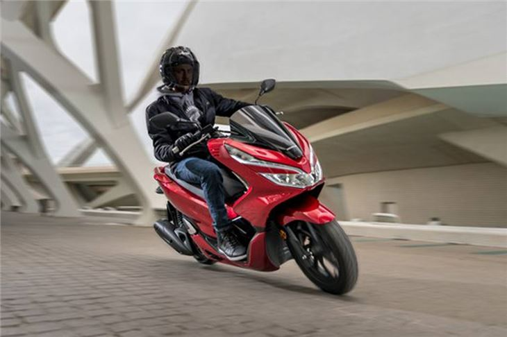 Review: Honda PCX 125 | Product Reviews | Honest John