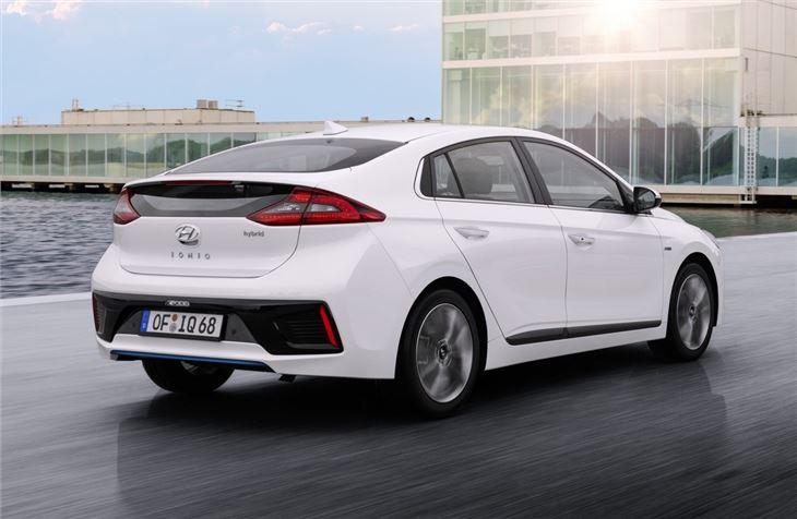 Hyundai Ioniq Hybrid 2016 Road Test | Road Tests | Honest John